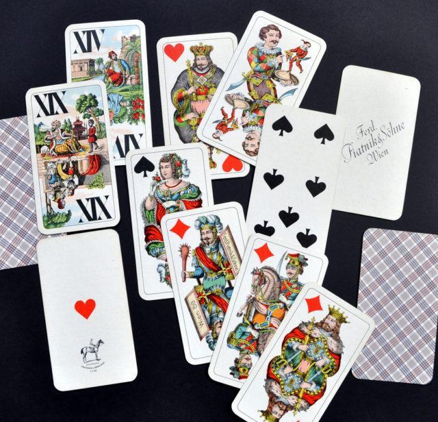 "Пасьянс ""Медичи"" предскажет судьбу"